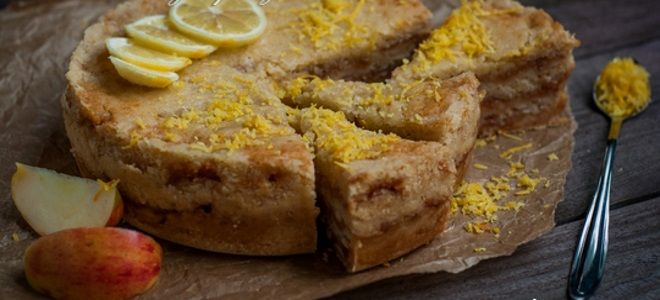 насыпной яблочный пирог с лимоном