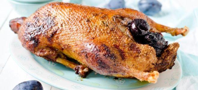 рецепт утки в духовке целиком с черносливом