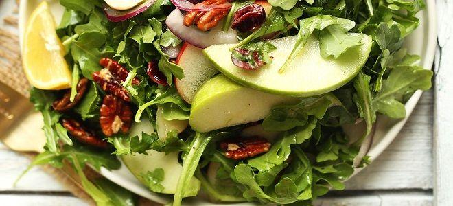 Салат с рукколой очень вкусный