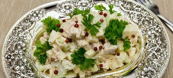салат с сельдереем стеблевым рецепты и курицей