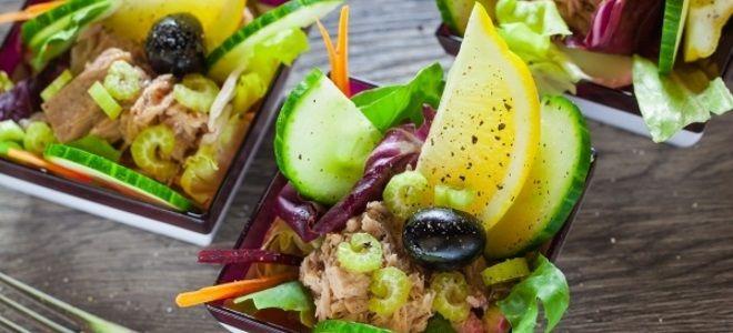 салат с тунцом и сельдереем стеблевым рецепты