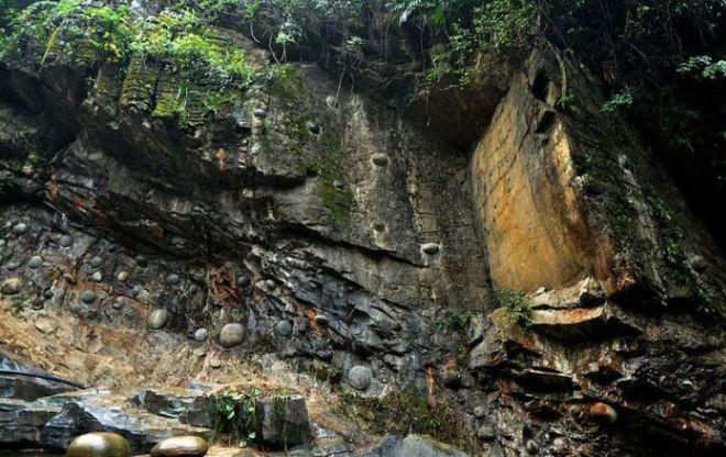 Эти места активно посещают и туристы и местные жители