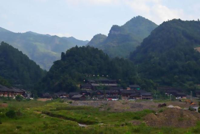 Гора Ганденг пользуется популярностью у туристов