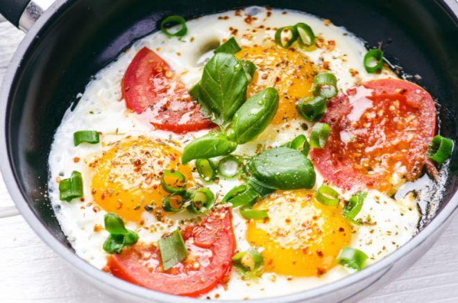 Помидоры и яйцо