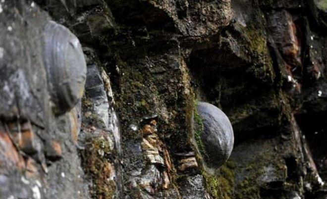 Прикосновение к камню в горе сулит удачу во всех делах