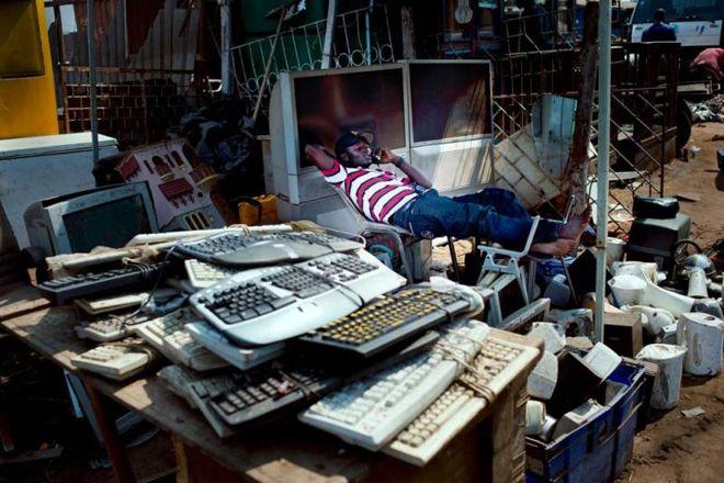 Электронная свалка в Агбогблоши