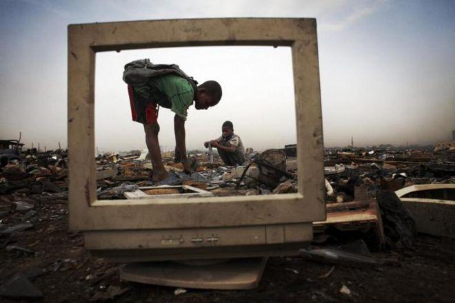 В Гане на свалке работают дети