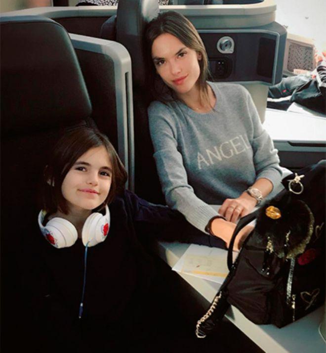 Алессандра Амбросио с дочерью Аней