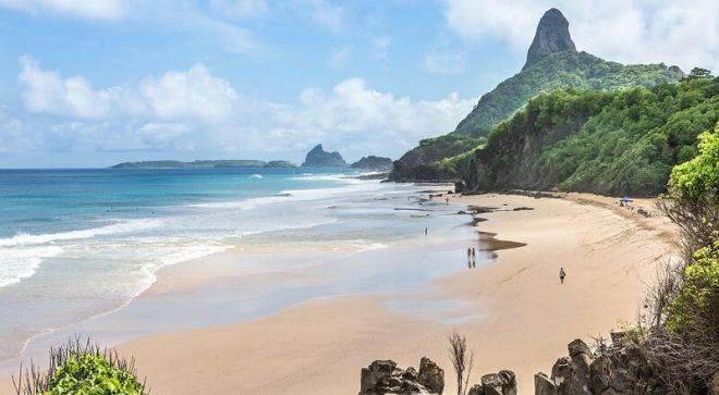 Бразилия, пляж Байя-ду-Санчо