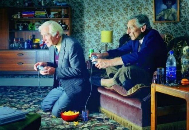10. Это раньше дедушки играли в домино