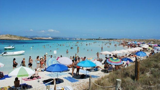 Испания, пляж Сес-Ильетас