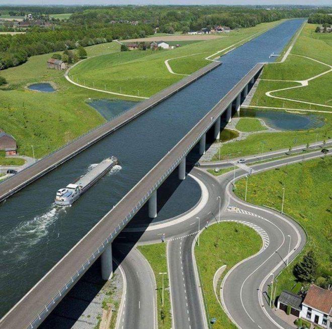 Такие сооружения способны не только помогать передвижению транспорта