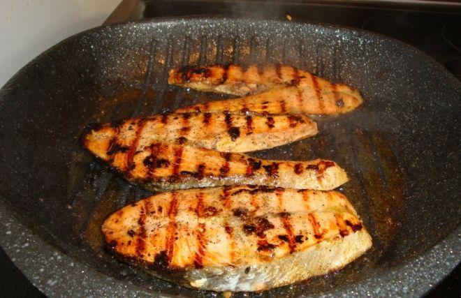Нитка при приготовлении стейков из рыбы