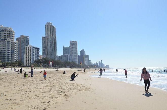 Австралия, пляж Серферс Парадайз Бич