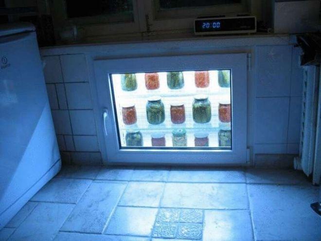 29. А это настоящий холодильник под подоконником