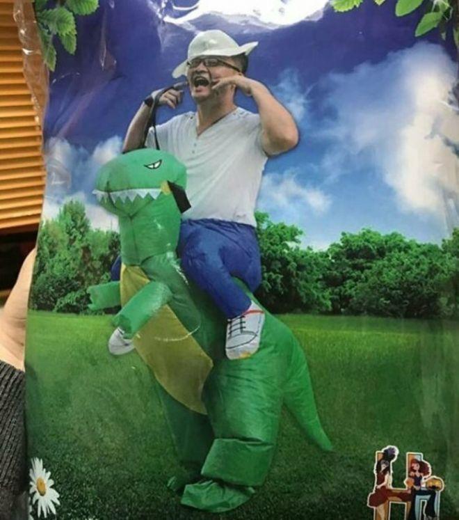 5. Зачем мог понадобиться надувной динозавр