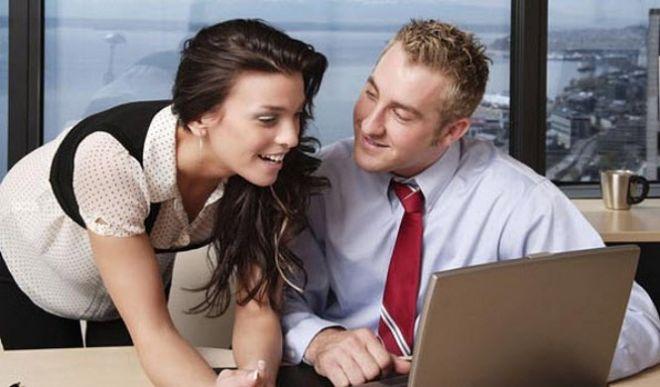 5 основных причин, по которым не стоит заводить роман на работе