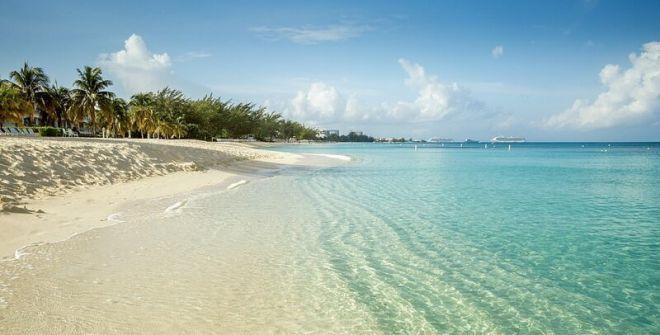 Каймановы острова, пляж Севен Майл Бич
