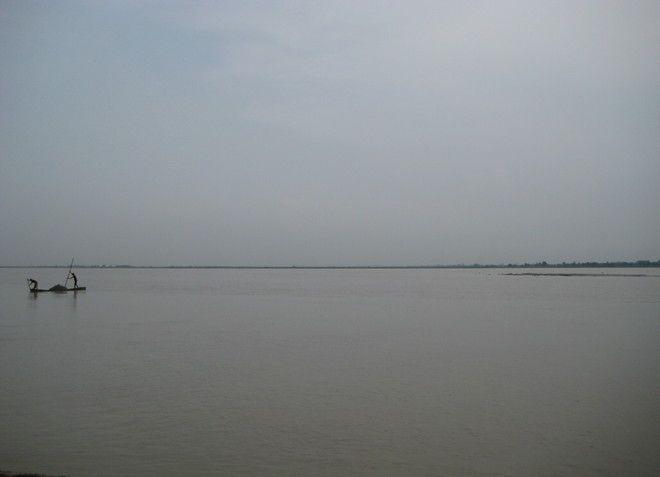 Река Гхагхра в Непале и Индии