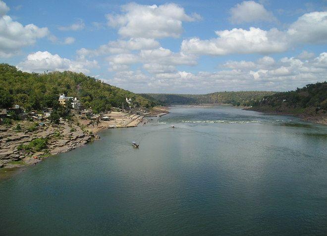 Река Нармада в Индии