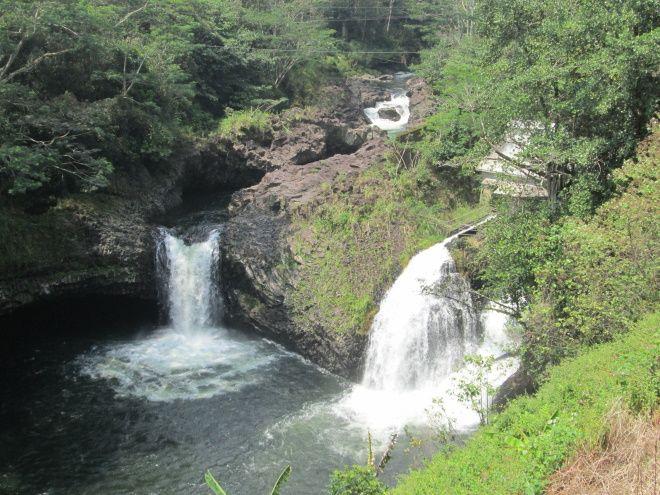 В окрестнотях города много водопадов