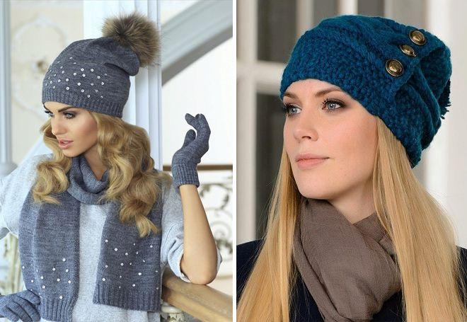 chapeaux tricotés avec des éléments décoratifs