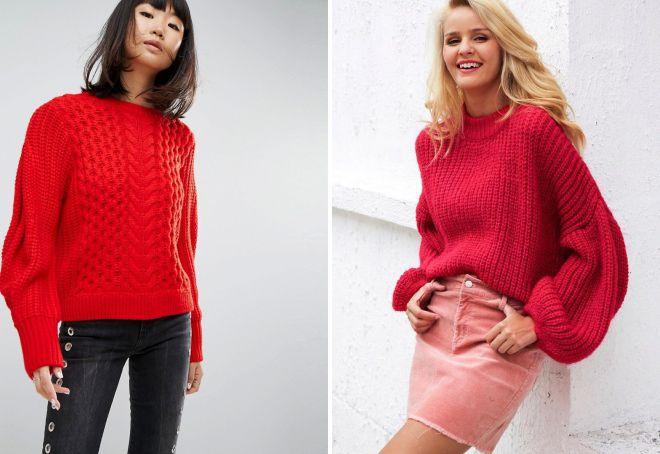 красный свитер крпной вязки