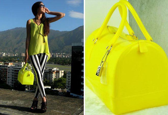ярко-желтая сумка Фурла
