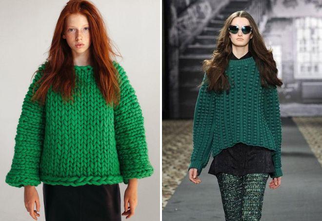 зеленый свитер крупной вязки