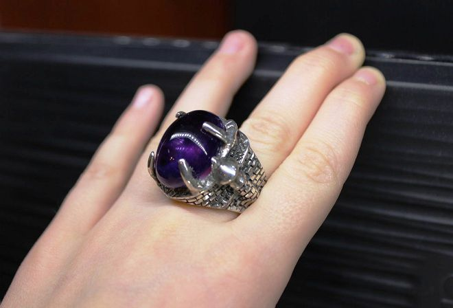 на каком пальце носят кольцо с аметистом