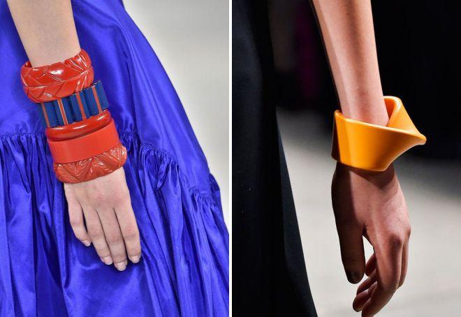 модные пластиковые браслеты