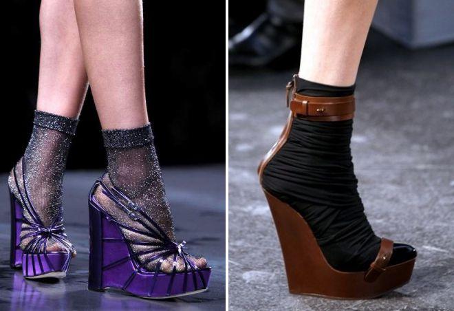 klinasti sandale sa čarapama