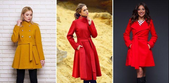 Женское расклешенное пальто с поясом