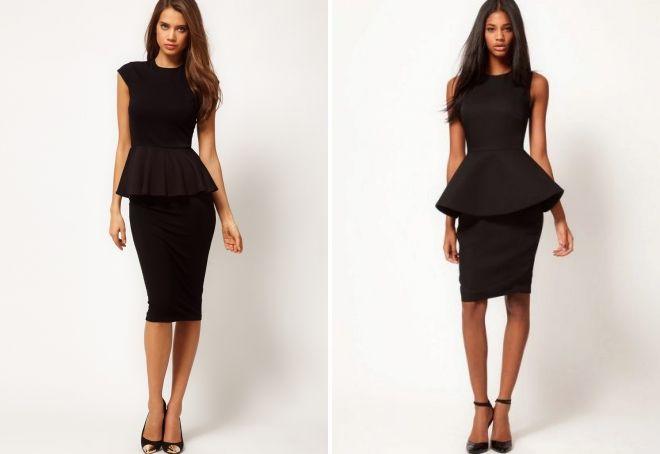 черное платье-футляр без рукавов