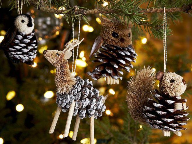 Новогодние украшения из шишек для дома