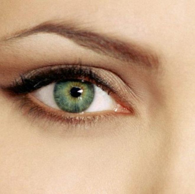 Дневной макияж для зеленых глаз раз