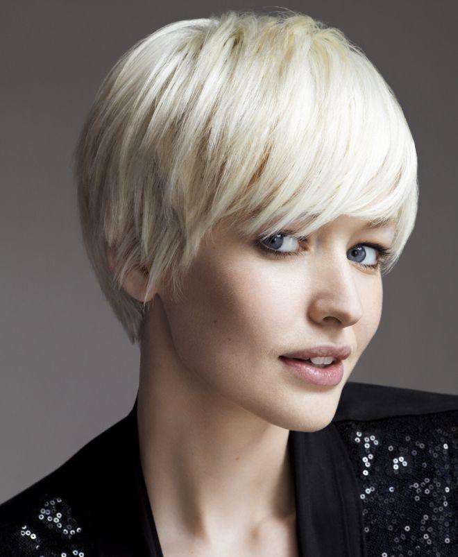 стрижка гарсон на средние волосы блонд