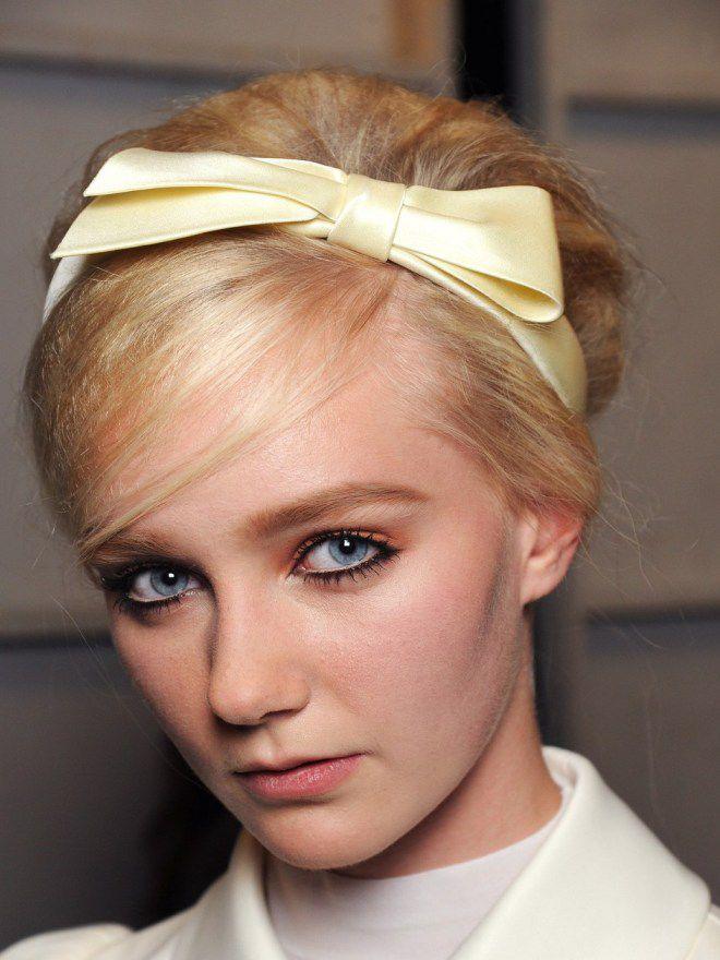 Простые ежедневные прически на средние волосы четыре