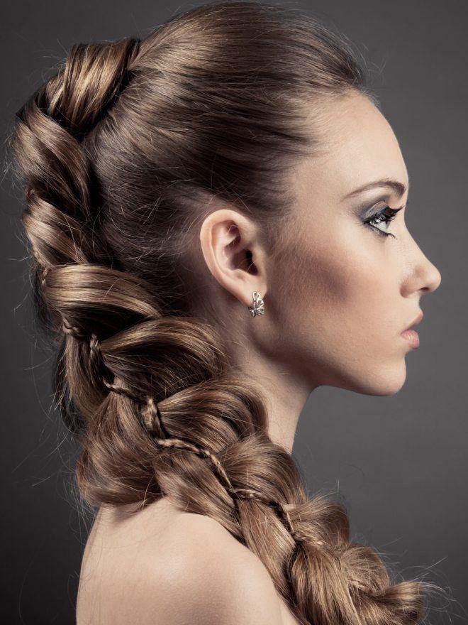 Прически на длинные волосы на каждый день пять