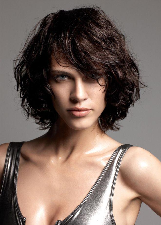 Причёски для вьющихся волос средней длины пять