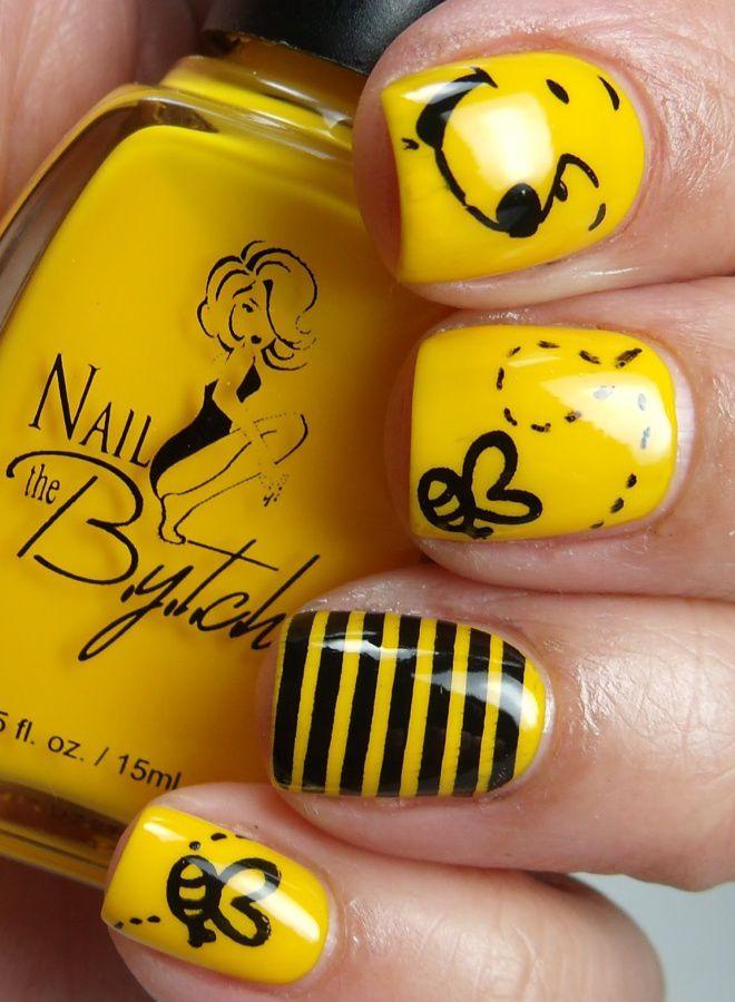 Cuatro manicure amarillo brillante