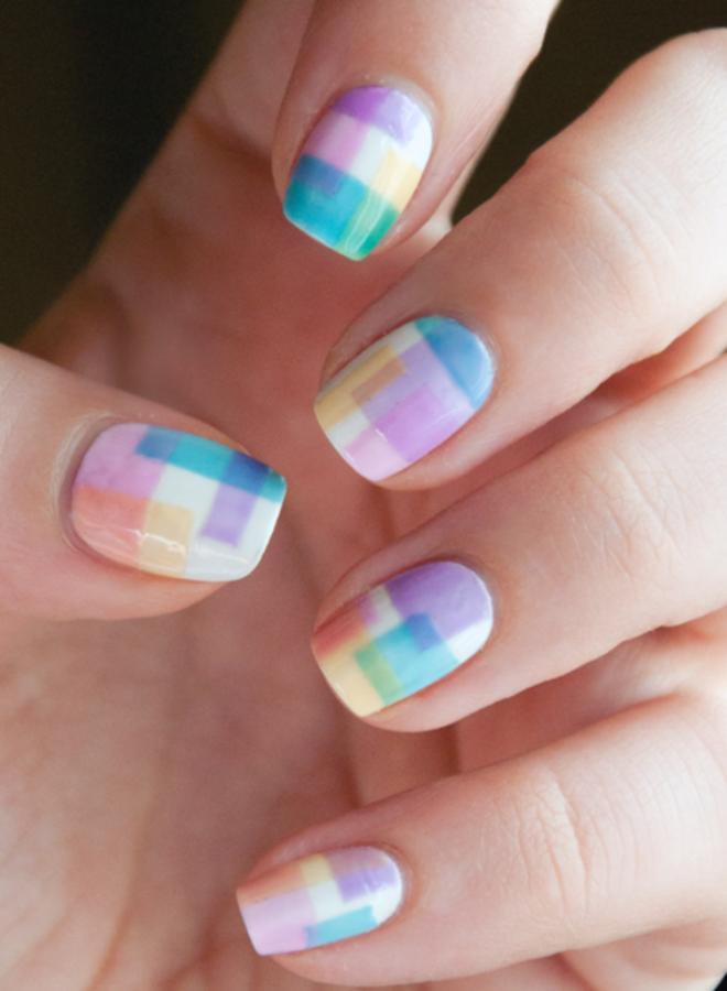 Manicura brillante para uñas cortas cinco.