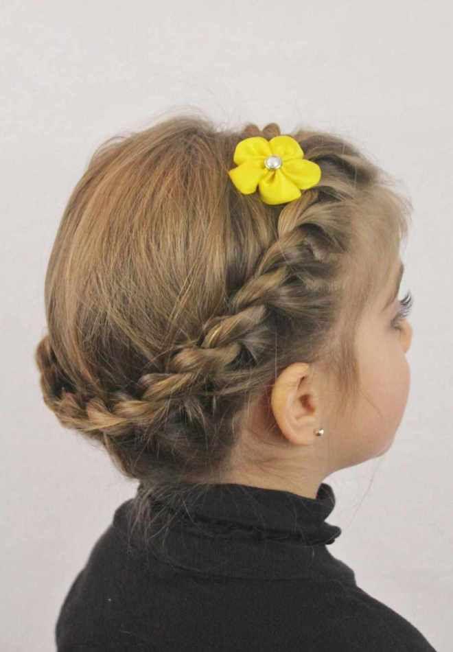 Прически на средние волосы для девочек четыре