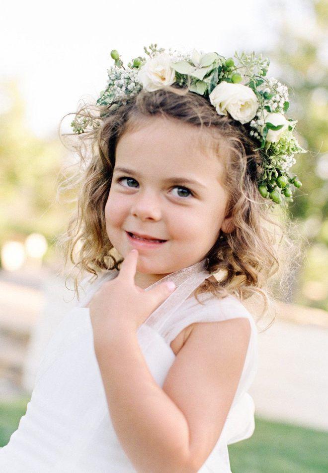 Детская прическа с цветами пять