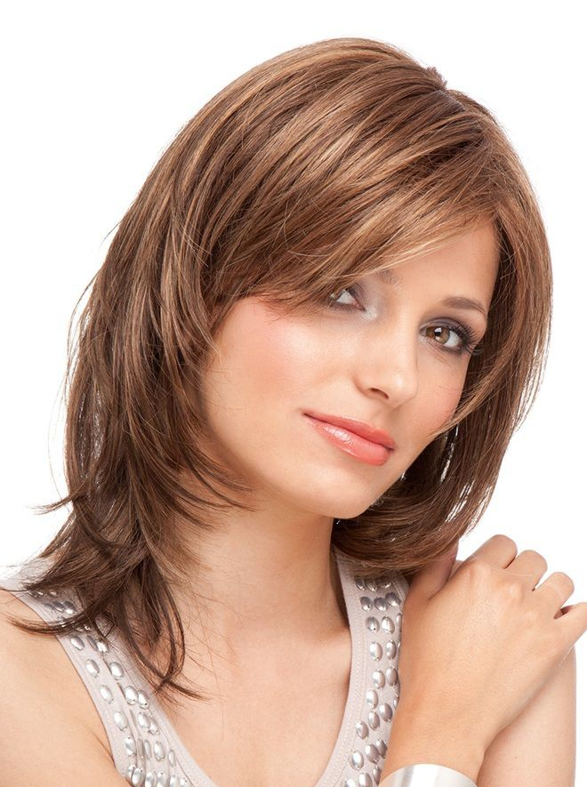 стрижка каскад на средние волосы два