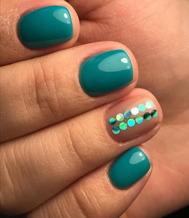 Дизайн с камифубиками на короткие ногти раз