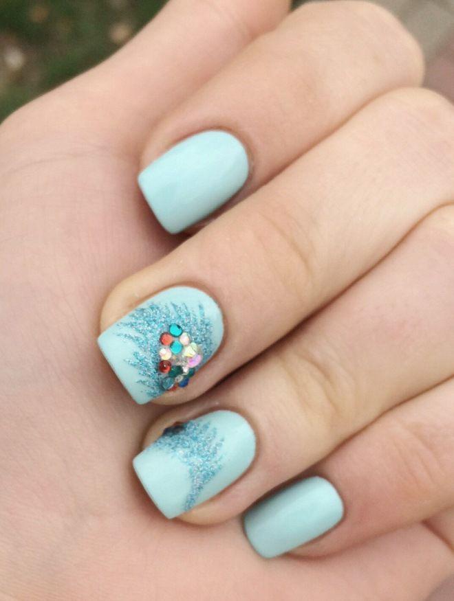 rhinestones mavi ilə incə manikür