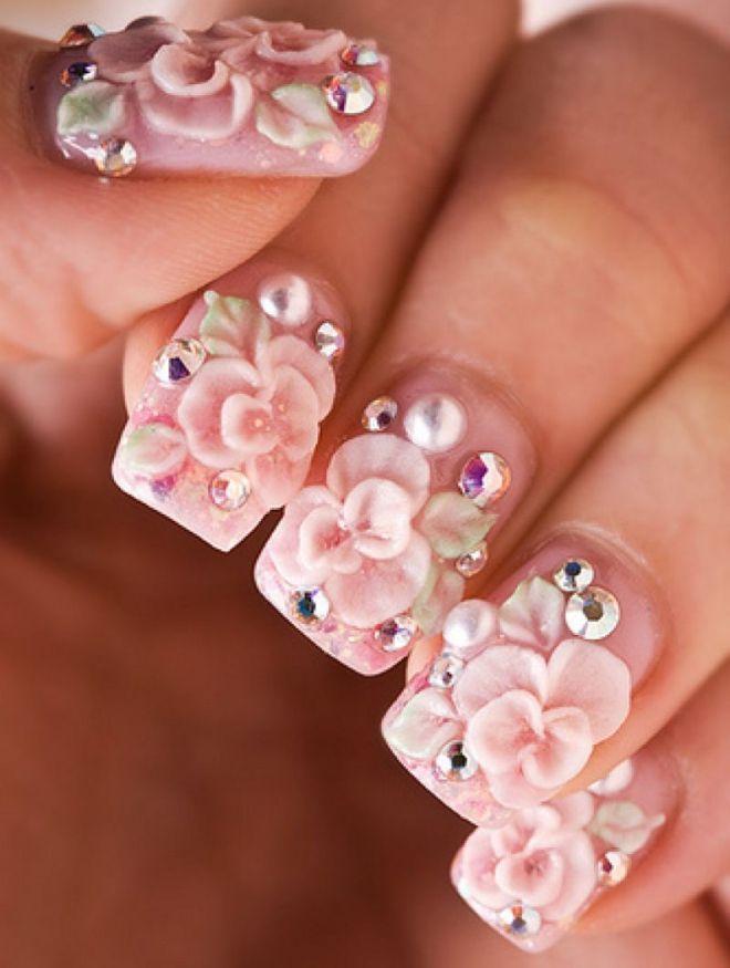 manicura suave con flores