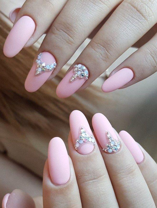 manicura mate tierna pedreria rosa