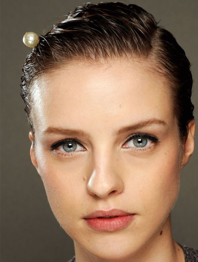 эффект мокрых волос на короткие волосы брюнетка